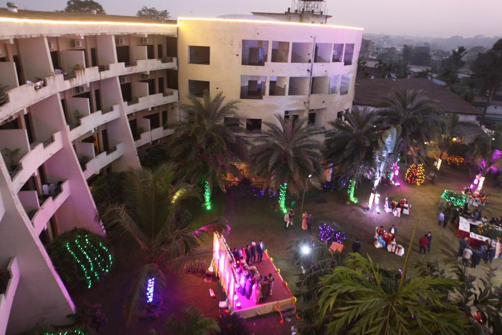 Central Palms Hotel
