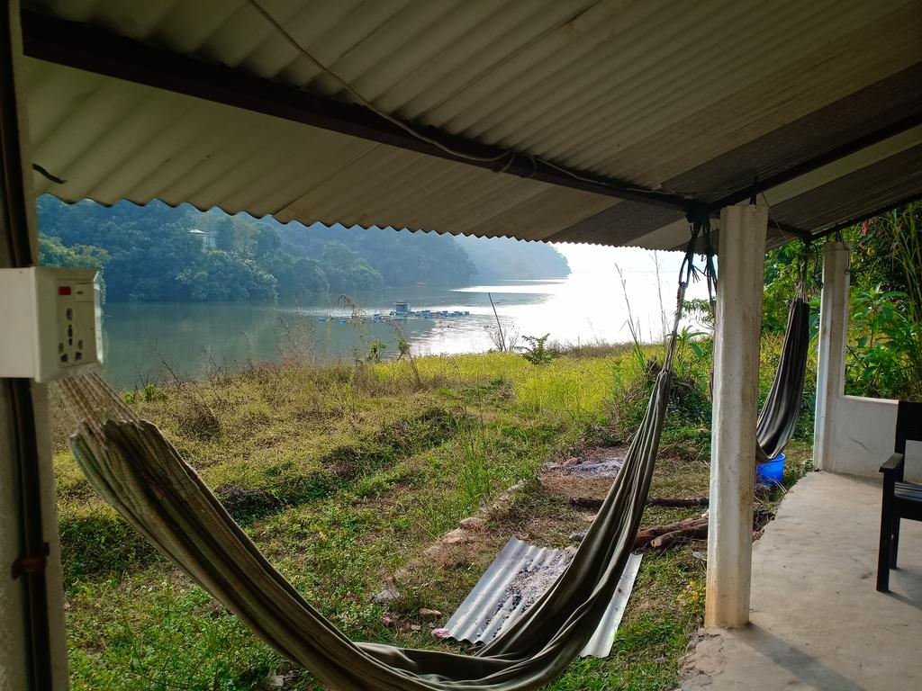 Lake Front Begnas Guest House