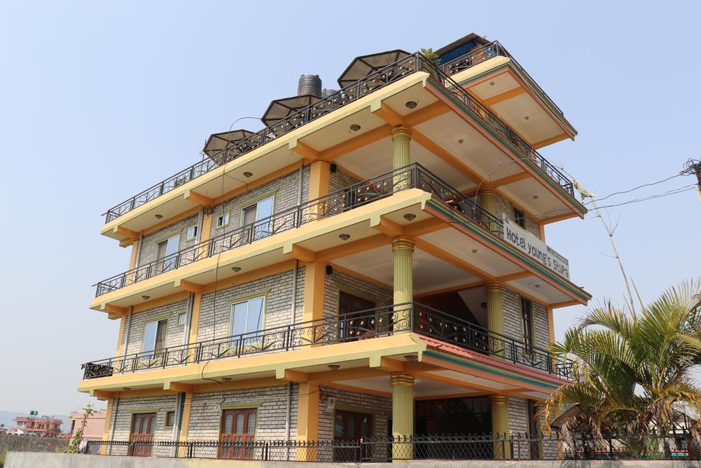 Hotel Young's Stupa