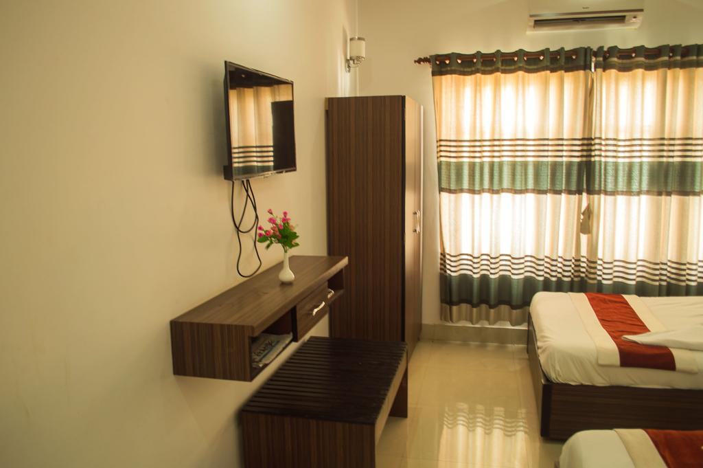 Hotel Aakash International